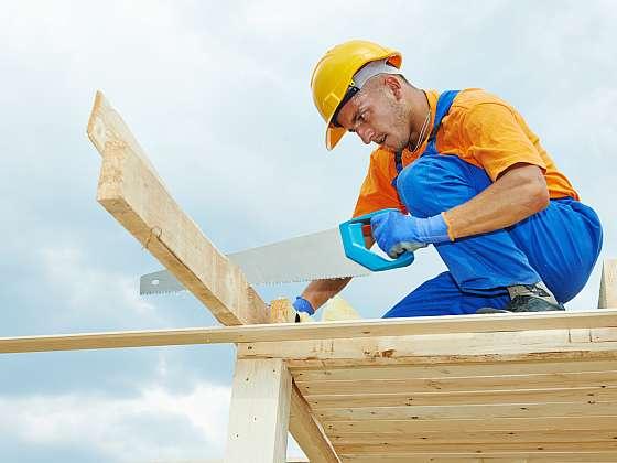 Stavbu střešních krovů zvládnete svépomocí (Zdroj: Depositphotos)