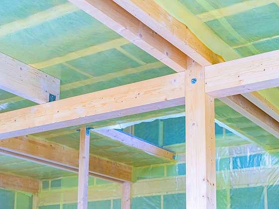 Zateplení stropu: foukanou izolací, polystyrenem nebo minerální vatou? (Zdroj: Depositphotos)