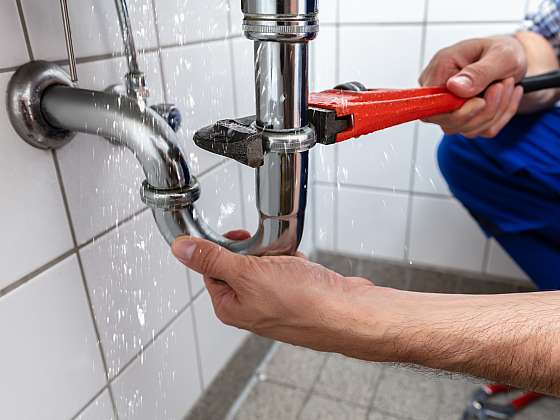 Nevolejte instalatéra, montáž nového umyvadla zvládnete hravě sami (Zdroj: Depositphotos)