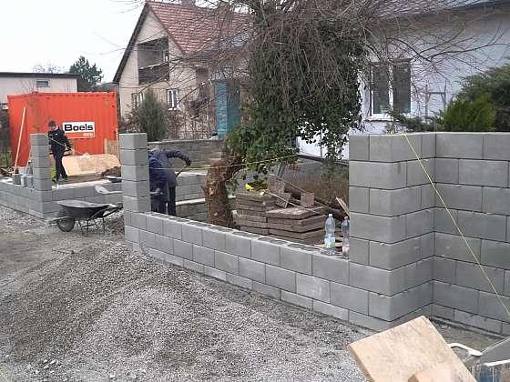 26. díl Online stavebního deníku bude ve znamení podlah, plotů a zahrady (Zdroj: Prima DOMA)