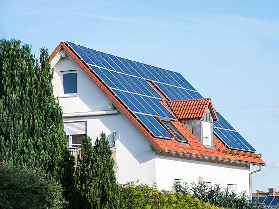 Fotovoltaika s bateriemi? Výhodnější, než se zdá (Zdroj: Depositphotos)