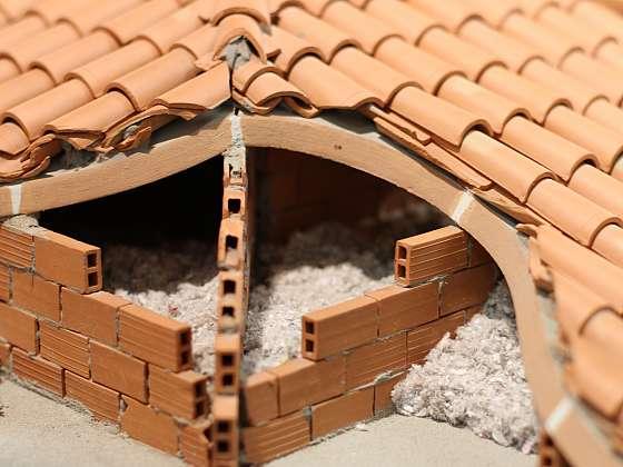 Ochraňte dům před vedrem foukanou izolací (Zdroj: Depositphotos (https://cz.depositphotos.com))
